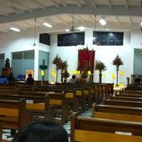 Photo taken at Iglesia cristo rey by Jorge Mario R. on 4/6/2012