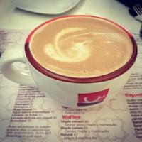 Foto tomada en Café Barra Café por Laura A. el 8/31/2012