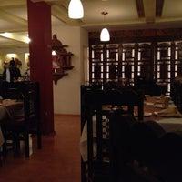 Foto tomada en Tandoor por Regina A. el 2/18/2012