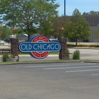Photo taken at Old Chicago by Dana M. on 6/2/2012