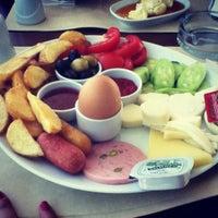 6/16/2012 tarihinde Nevra A.ziyaretçi tarafından İncir Cafe'de çekilen fotoğraf