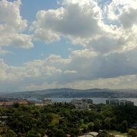 9/12/2012 tarihinde Nuray N.ziyaretçi tarafından Hilton Istanbul Executive Lounge'de çekilen fotoğraf