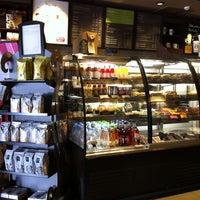 Photo taken at Starbucks by BBongs C. on 8/17/2012