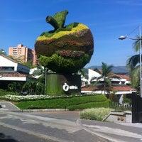 Foto tomada en Centro Comercial Oviedo por Bibiana L. el 9/2/2012