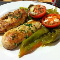 Photo taken at Grill Terracotta by Verónica M. on 8/3/2012