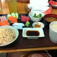Photo taken at Ume Tei Japanese Restaurant by Michelle H. on 3/31/2012