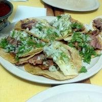 Photo taken at El Rey Del Suadero by Rodrigo R. on 6/13/2012