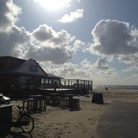 Photo taken at Strandpaviljoen Paal 17 by Jan-Lamber V. on 5/12/2012