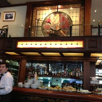 รูปภาพถ่ายที่ Café de los Angelitos โดย Lori N. เมื่อ 4/17/2012
