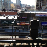 Photo taken at MTA Subway - Queensboro Plaza (N/W/7) by Oscar R. on 2/20/2012