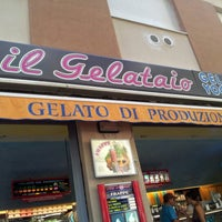 Photo taken at Il Gelataio by Fabrizio D. on 8/11/2012