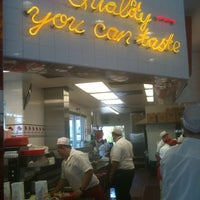Photo taken at In-N-Out Burger by Oren D. on 8/23/2012