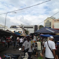 Photo taken at Pasar Chowkit by Uzaidi U. on 5/6/2012