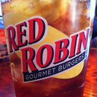 Photo taken at Red Robin Gourmet Burgers by Tom S. on 6/13/2012