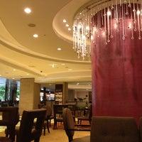 Photo taken at Hotel Metropolitan Edmont by yoichi y. on 7/22/2012