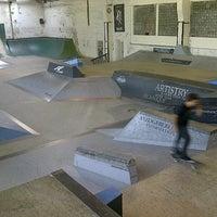 Foto tomada en Skatehalle Berlin por Yumiko H. el 8/8/2012