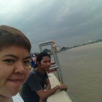 Photo taken at Wat Amarit by tanach M. on 7/7/2012