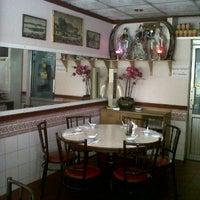 2/16/2012 tarihinde ??????? ?.ziyaretçi tarafından รื่นรส ภัตตาคาร (Ruenros)'de çekilen fotoğraf