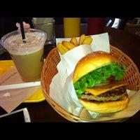 Photo taken at Freshness Burger by Tomohiro Y. on 4/15/2012