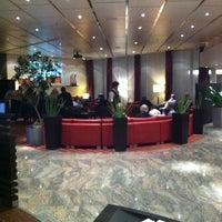 Das Foto wurde bei Sheraton Munich Westpark Hotel von Эндрю am 10/15/2011 aufgenommen