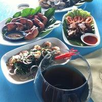 Photo taken at ริมทะเล by Se7eN &. on 9/3/2011