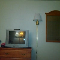 Photo taken at Days Inn - Canton by Michelet T. on 2/24/2011