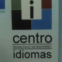 Photo taken at Centro De Idiomas by Daniel A. on 3/8/2012