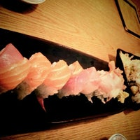 Photo taken at Sushi Zen by Ilhwan C. on 11/9/2011