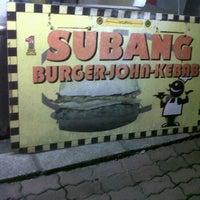 Photo taken at Subang Burger, Roti John & Kebab by Ben Hassari on 5/19/2012