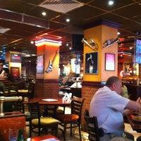 7/19/2012 tarihinde Giorgiaziyaretçi tarafından Happy Bar & Grill'de çekilen fotoğraf