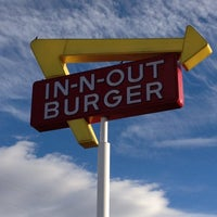 Photo taken at In-N-Out Burger by Michelle C. on 1/5/2012