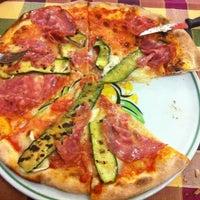 Снимок сделан в Pizzeria Al Vecio Stampo пользователем Claudio F. 5/2/2012
