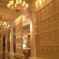 Das Foto wurde bei ORIENT8 - Hotel Mulia Senayan, Jakarta von Daisy S. am 2/14/2012 aufgenommen