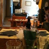 Foto scattata a Trattoria Da Lauro da Maria Grazia il 10/18/2011