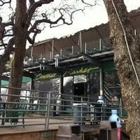 2/14/2012にJody J.がCentral Marketで撮った写真