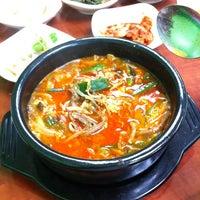 Foto tirada no(a) Yummy Korean Restaurant por Moe A. em 3/28/2012