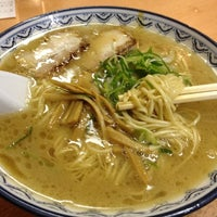Photo taken at Ganso Akanoren Setchan Ramen by honeybear360 on 2/18/2012