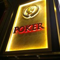 Foto tomada en Caesars Palace Poker Room por Mike R. el 6/12/2012