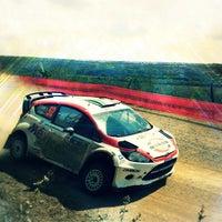 รูปภาพถ่ายที่ Rally Mexico โดย Moisés A. เมื่อ 3/12/2012