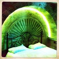 8/21/2011 tarihinde Cristina G.ziyaretçi tarafından Flintstones Cave Hotel'de çekilen fotoğraf