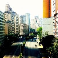 Foto tirada no(a) Rua Maria Paula por Vitor C. em 5/3/2012
