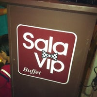Photo taken at Sala Vip Pizza Bar by Guto B. on 4/22/2011