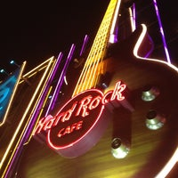 Photo taken at Hard Rock Cafe Las Vegas by Sergio C. on 7/9/2012