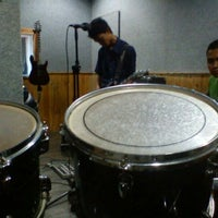 Photo taken at D'Play Music Studio-Digital Recording by Zulkarnain W. on 12/18/2011