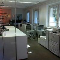 Photo taken at Kuss GmbH - Druckerei by Micha M. on 10/15/2011