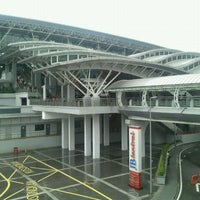 Photo taken at Sultan Iskandar CIQ Complex (Johor Bahru Checkpoint) by Jeneson A. on 12/4/2011