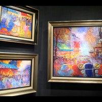 Photo taken at Sutton Galleries by Joshua W. on 9/7/2012