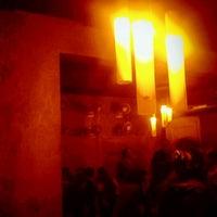 Das Foto wurde bei Favorit Bar von Deep G. am 1/12/2012 aufgenommen