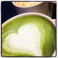 Photo taken at Starbucks by キーン on 9/7/2012