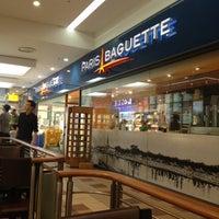 Photo taken at PARIS BAGUETTE café by Jung woo K. on 4/29/2012